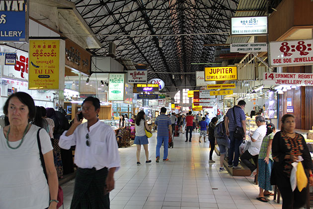 Myanmar itineraries 4 weeks to the lively Scott Market in Yangon