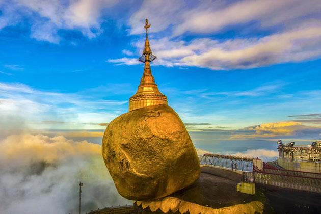 The impressive Golden Rock