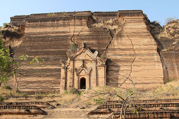 The unfinished Mingun Paya