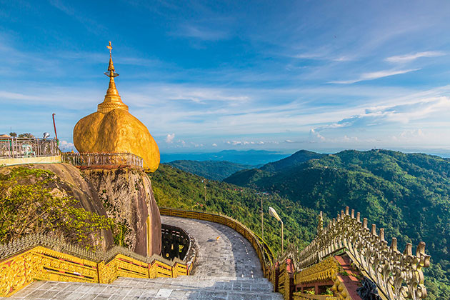 Visit the Golden Rock in Myanmar itinerary 4 weeks
