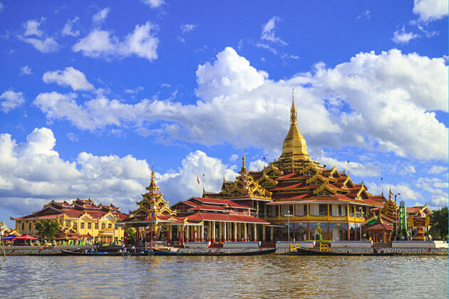 phaung daw oo paogda is the sacred temple in Inle Lake