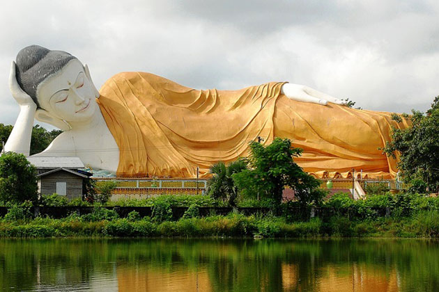 reclining Buddha image in Bago-Myanmar itinerary 4 weeks