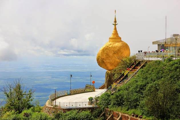 the Golden-Rock on the top of Kyaikhtiyo pagoda