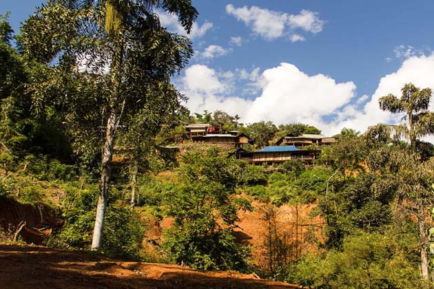 trekking to the villages in Kyaing Tong