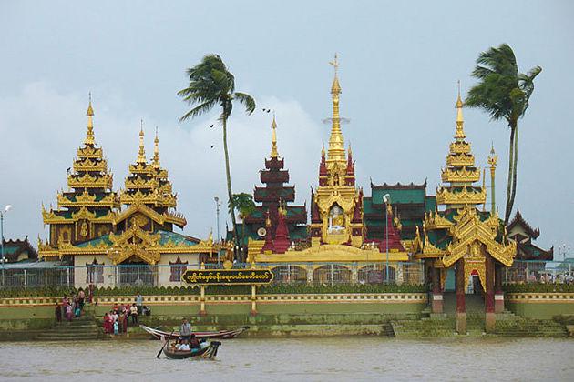 Visit Kyaik Hmaw Wun Pagoda or Island Pagoda in Yangon Thalyin tour