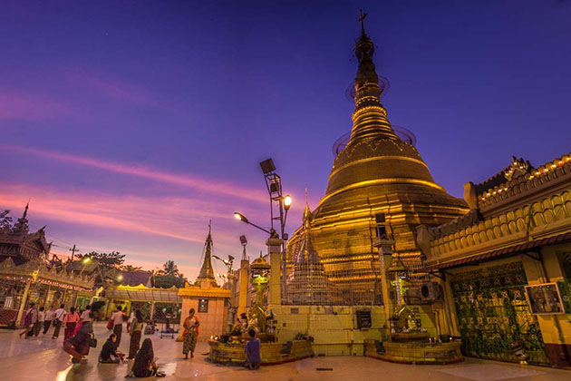 Botahtaung pagoda in Yangon