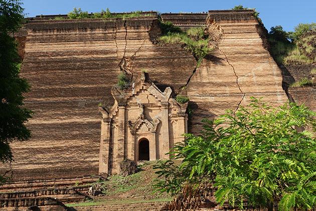 Myanmar river cruise to Mingun Paya - ruin of the largest Buddhist pagoda in the world