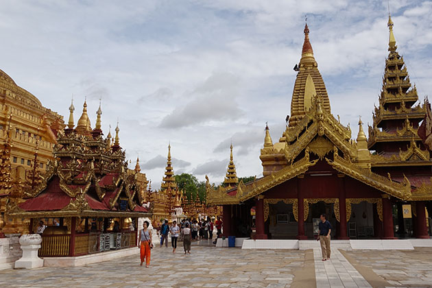 Shwezigon Pagoda is one of the most beautiful Pagodas in Bgan
