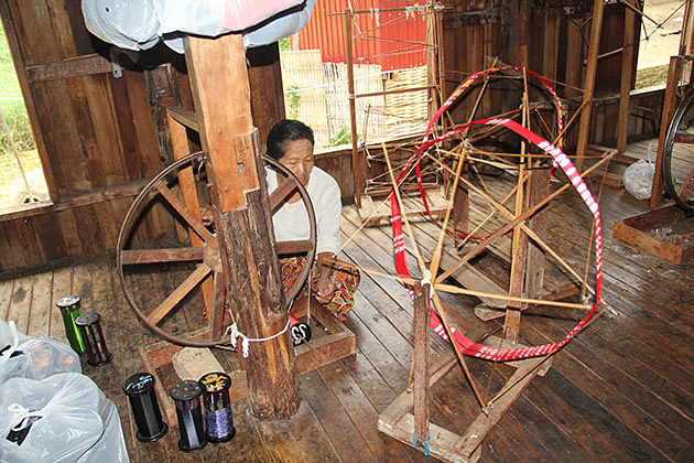 Silk weaving workshop in Inle Lake