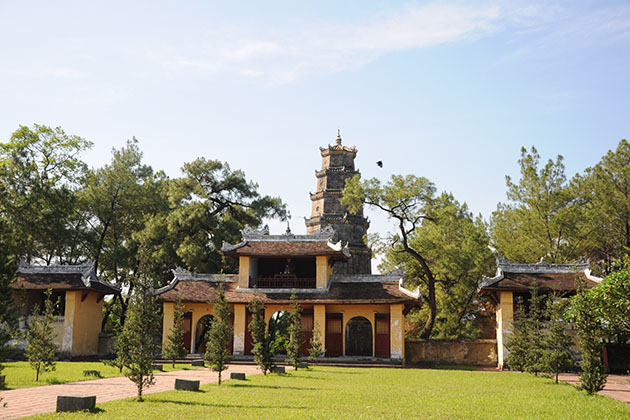 Thien Mu Pagoda-the symbol of Hue and Buddhism of Vietnam