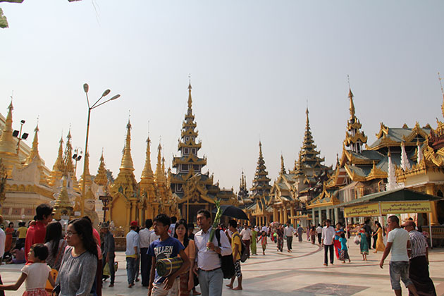 Shwedagon Pagoda Reinforces Dress Code to Visitors