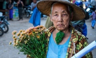 local granny in bagan tour package