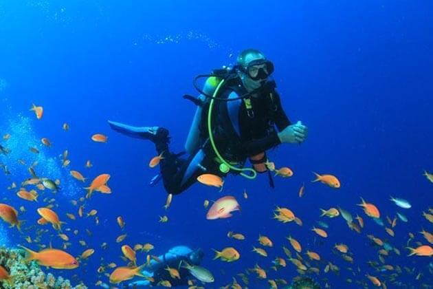 Diving-in-Myanmar beach holiday