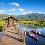 Mine Thauk Bridge in Inle LakeMine Thauk Bridge in Inle Lake