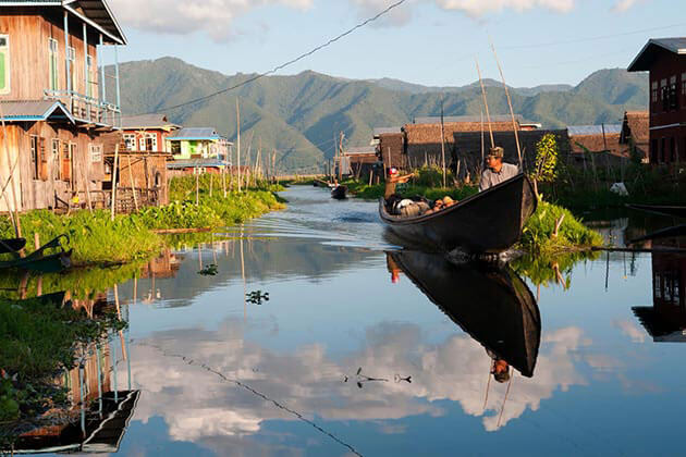 Myanmar-Honeymoon-tour in-Inle-Lake