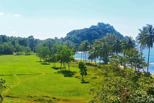 Ngapali Beach Golf Course-Myanmar golf tours