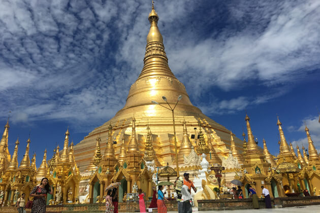 Shwedagon-Pagoda in yangon-tour packages