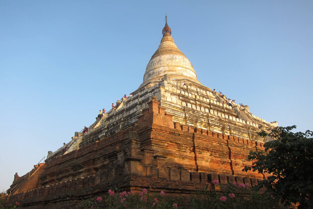 day trip from Bagan to Shwesandaw-Pagoda- the highest temple in Bagan