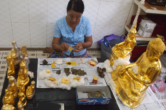 gain local experience at King-Galon-Gold-Leaf-Workshop- in mandalay-tour packages