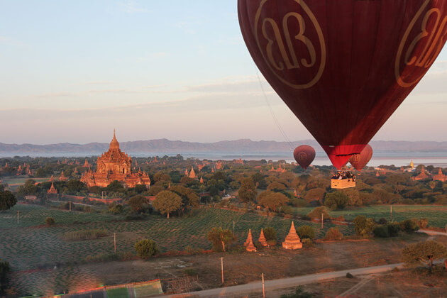hot air balloon-amazing experience in Bagan tour packages