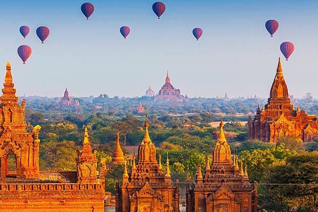 hot-air-balloon-ride in-Myanmar-family-tour