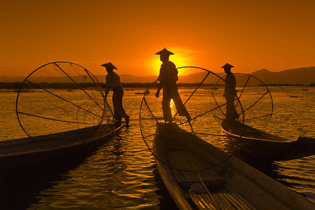 inle lake legrowing fishermen