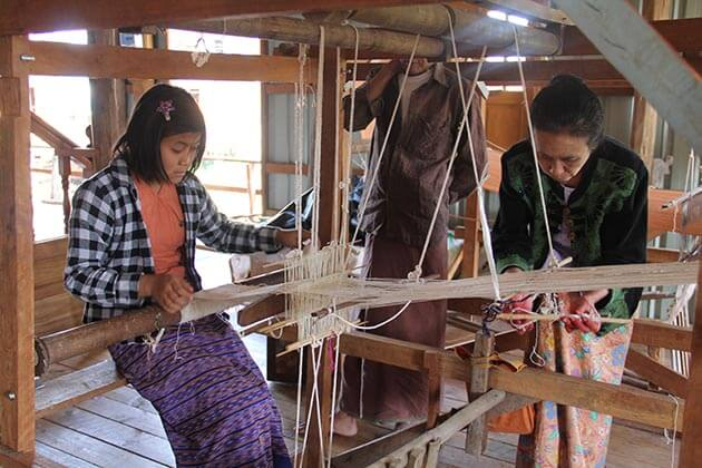 learn about the traditional weaving in Inle Lake tour packages