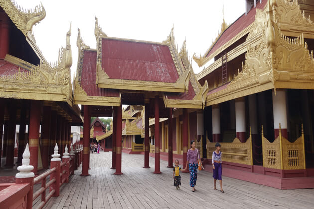mandalay-palace-the main attraction to visit in mandalay-trips