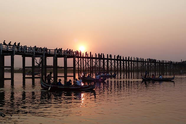 u bein bridge-one of the most impressive attractions in Mandalay tours