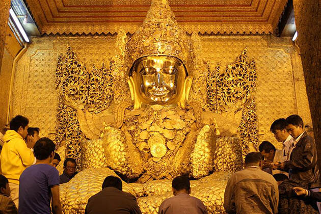 Maha Myat Muni Pagoda Plans to Charge Entrance Fee