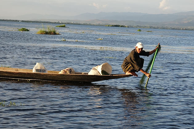 Inle lake tour in cool season