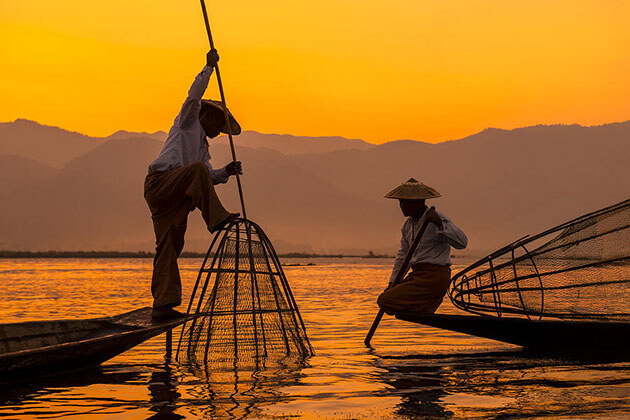 Inle lake tour in hot season