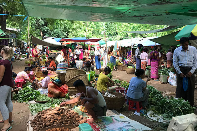 Myanmar family holiday - witness authentic Burmese daily lifeline at the market