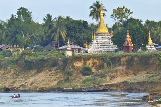 Bhamo port