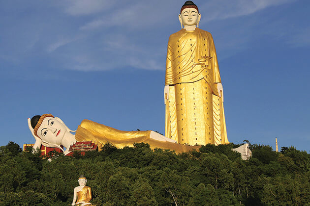 Bodhi Tataung standing buddha statue
