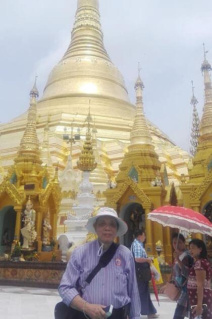Mr Franciscus Supartono at Shwedagon pagoda