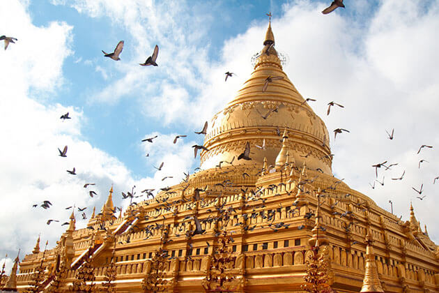 Shwezigon is a not to miss destination in a Bagan tour
