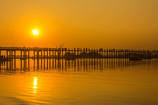 Visit U bein Bridge is one of the best thing to do and see in Myanmar trip