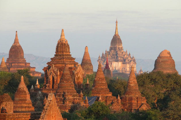 Visit the temples is the best thing to do in a Bagan tour