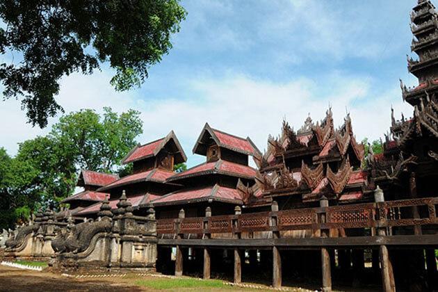 Yoke Sone Kyaung wooden monastery