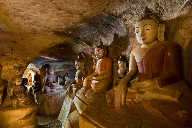 ancient buddha images in Po Win Taung cave