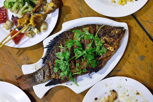 fried fish is one of the best street food in yangon