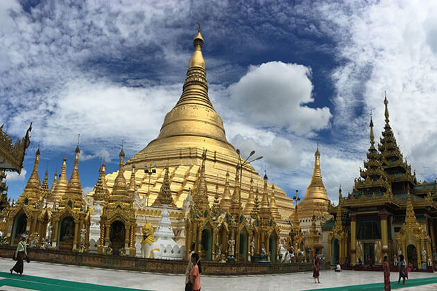 shwedagon pagoda- must-see attraction in yangon myanmar tour