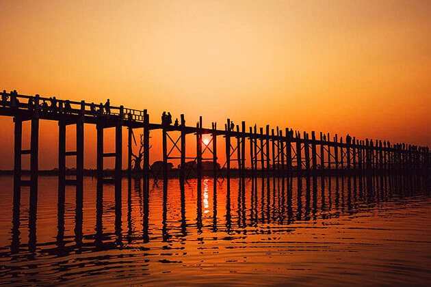 the majestic sunset from U Bein Bridge