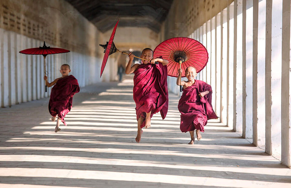 Burmese young novices is an interesting topic in Myanmar photography tours