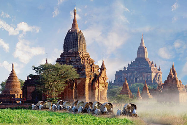 Explore the ancient pagodas of Bagan is one of the best things to do in Burma holiday package 2019 2020
