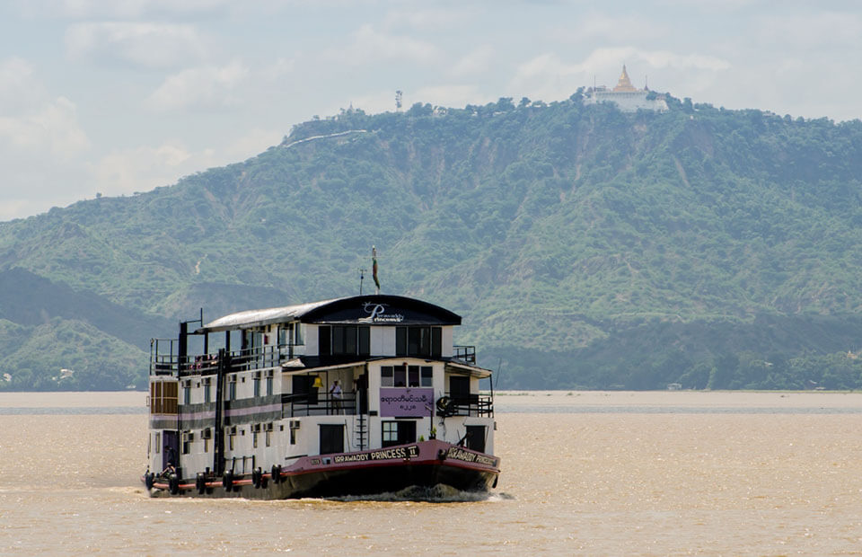 Irrawaddy princess II is a comfortable space combined with traditional Burmese style