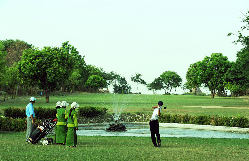 Take Myanmar golf tours to the game in the beautiful scenery