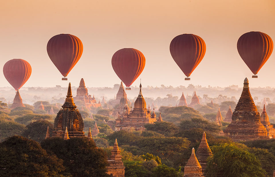 Taking a hot air balloon trip is one of the best experience in Myanmar luxury tours