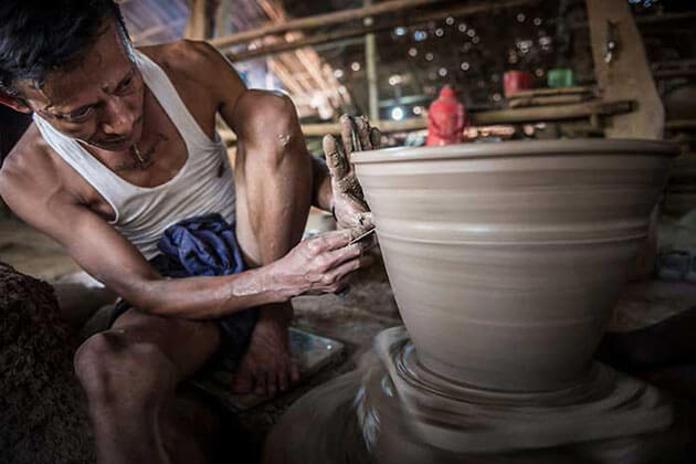 take Yangon river cruise to visit the pottery village in Twante
